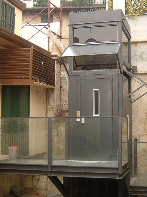 ascensore esterno a pavia realizzato da maripa